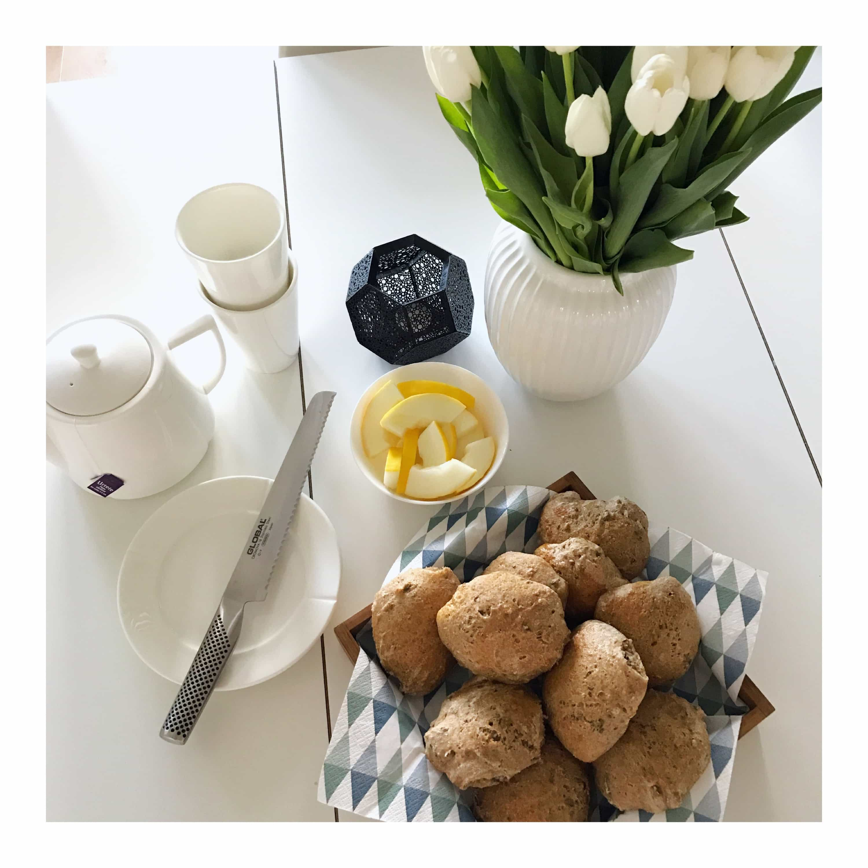 Koldhævede morgenboller til de hyggelige morgener